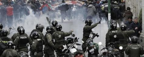 cropped-hard-truths-for-human-rights-bolivia-el-17-de-mayo-de-2013-el-terror-de-hombres-masones-y-mal-educados-muestra-evidencia-en-la-frustacion-de-la-policia-y-los-ciudadanos